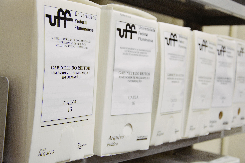 Caixas no depósito do Arquivo Permanente